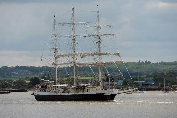 Tall Ship Lord Nelson sails to London