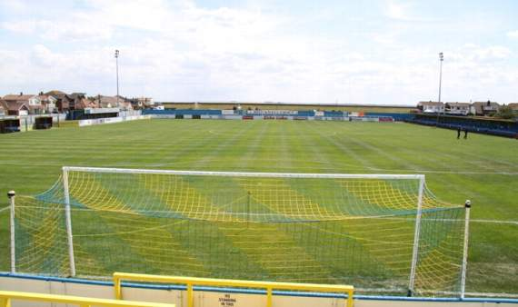 Trio departs from Canvey Island