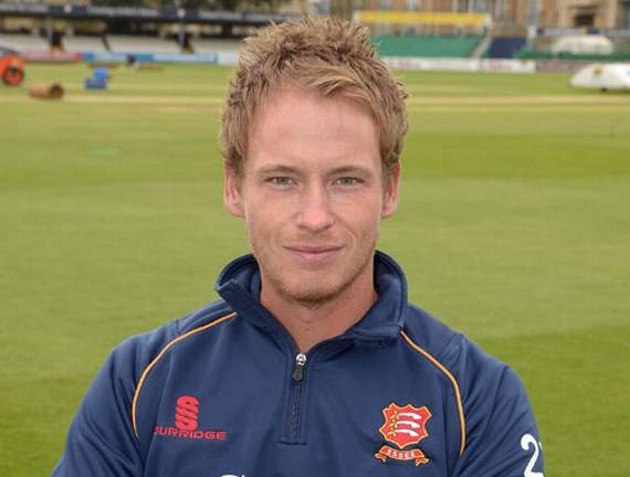 Westley and Bopara help Essex forge ahead
