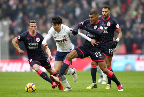 Tottenham host Huddersfield, looking for fourth straight home win